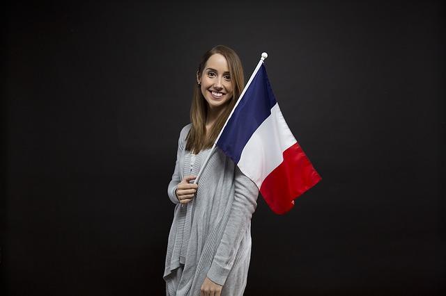 Žena s vlajkou