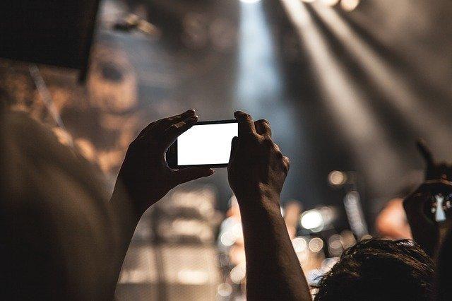 pořízování selfie.jpg