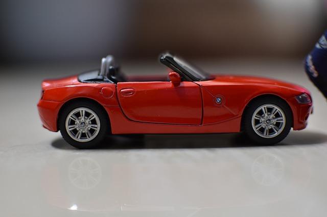 červené autíčko